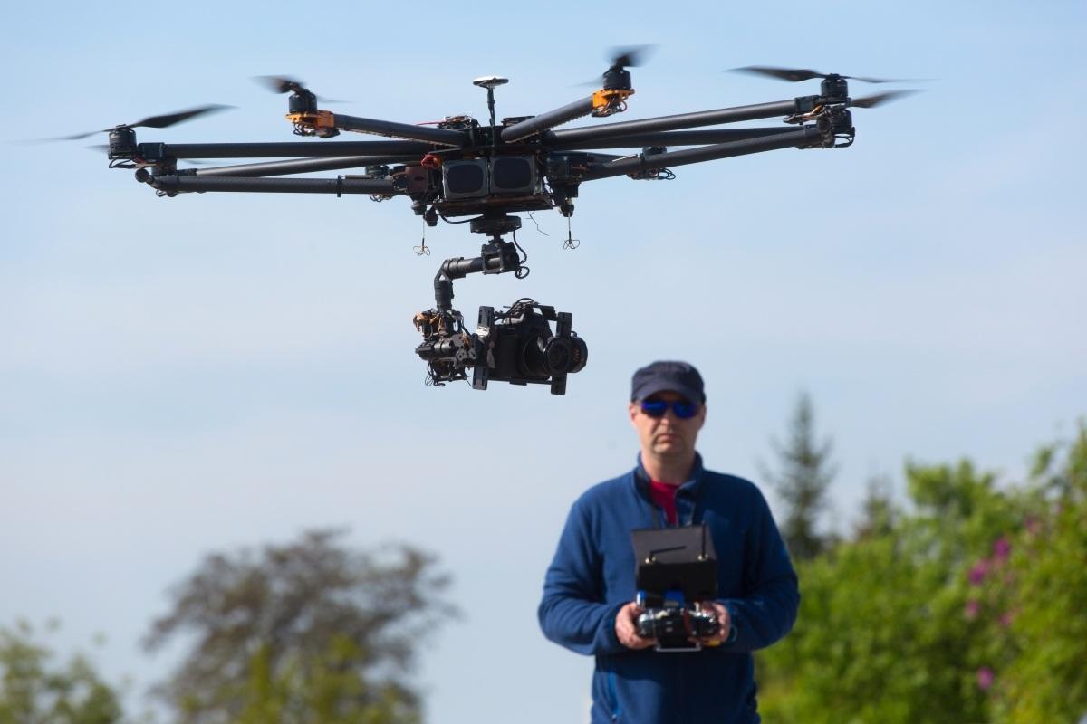 Chơi game, lái drone được công nhận là nghề nghiệp tại Trung Quốc