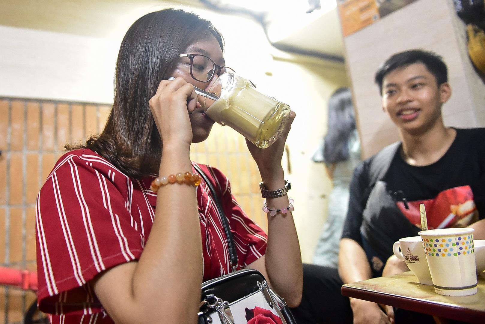 Món lạ Hà thành: Độc đáo món bia trứng khiến thực khách thích mê - 9