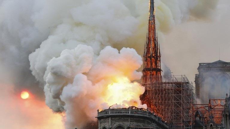 Lãnh đạo thế giới bàng hoàng sau thảm kịch cháy nhà thờ Đức Bà Paris - 1