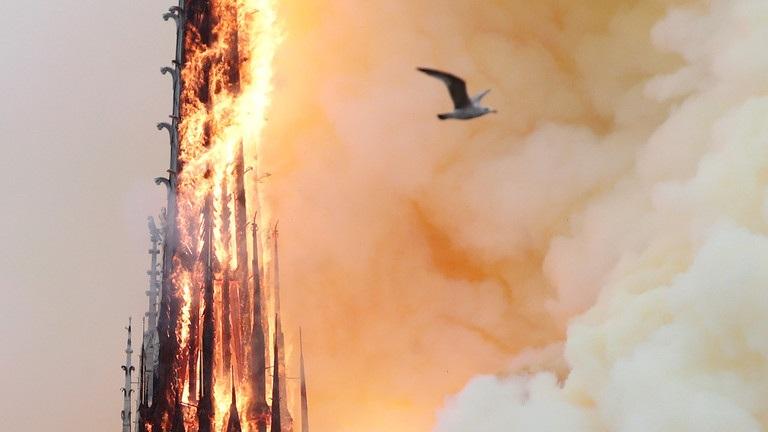 Lãnh đạo thế giới bàng hoàng sau thảm kịch cháy nhà thờ Đức Bà Paris - 4