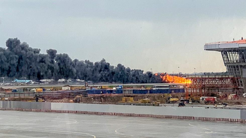 Máy bay Nga nằm trơ khung cháy đen tại hiện trường tai nạn - 2