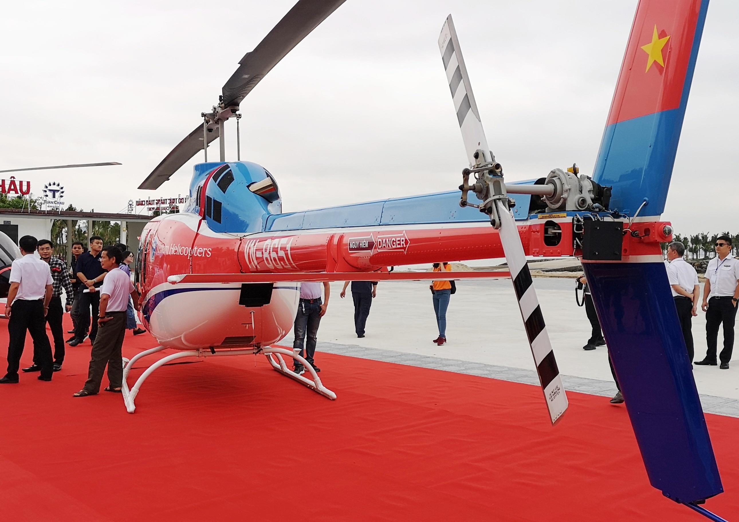 Ra mắt dịch vụ đặt chuyến bay ngắm cảnh bằng trực thăng tại vịnh Hạ Long - 5