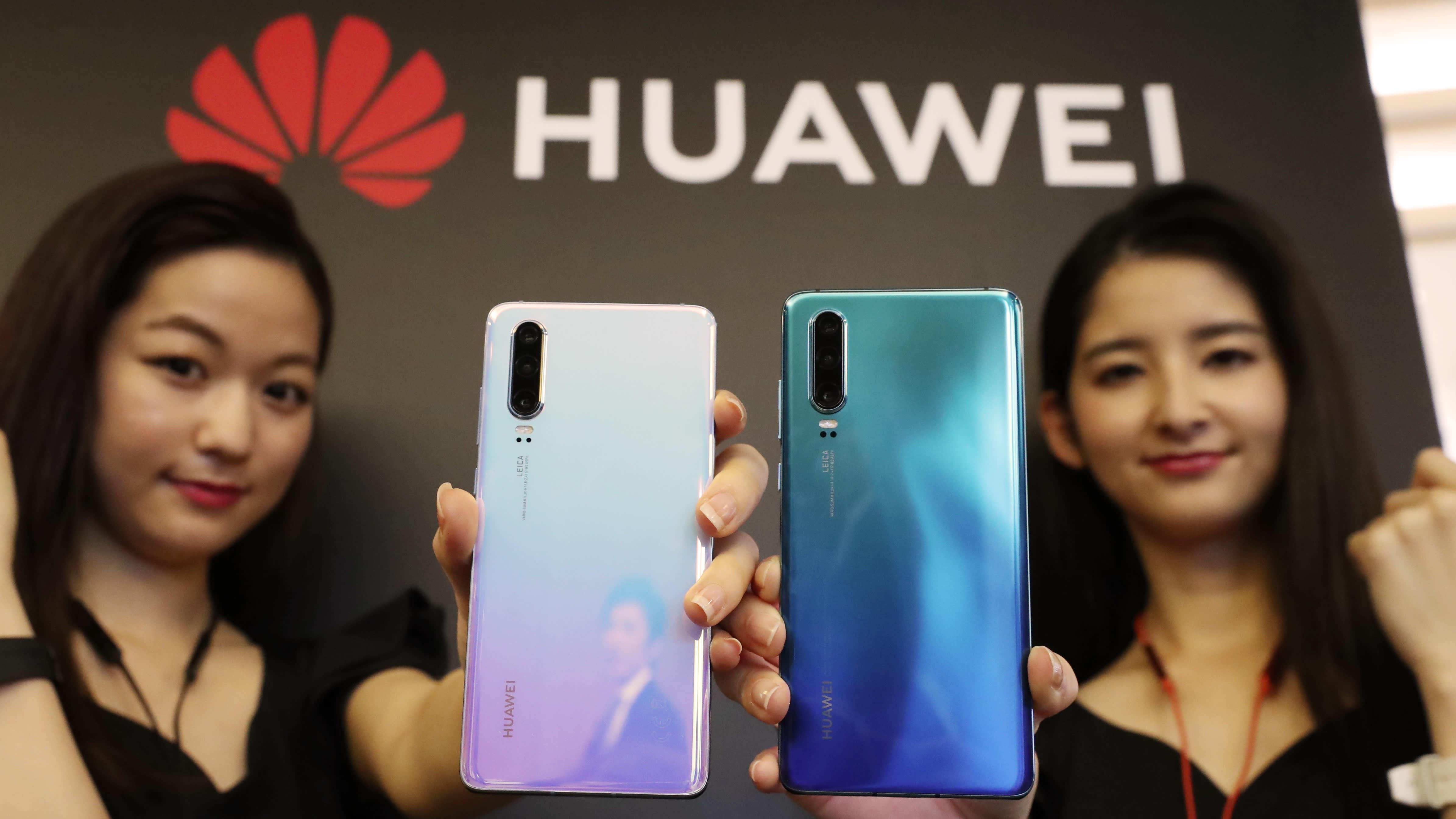 Doanh số Huawei tăng 130% tại Trung Quốc sau khi Mỹ ban hành lệnh cấm - 1