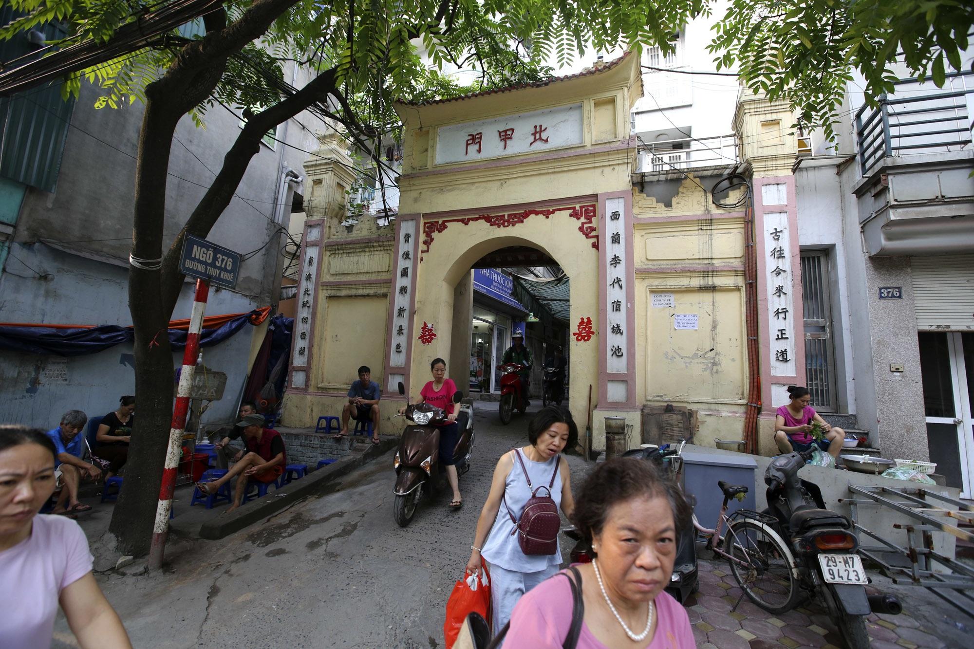 Đất Kẻ Bưởi và những cổng làng trăm tuổi ở Hà Nội - 11