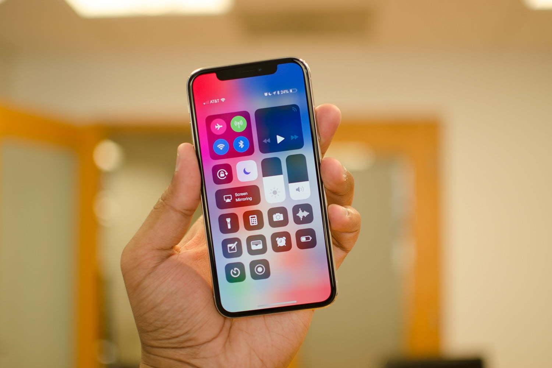 Từng khiến cả giới công nghệ phải chạy theo, nhưng giờ đây Apple bị bỏ lại một mình vì chậm tiến - 3