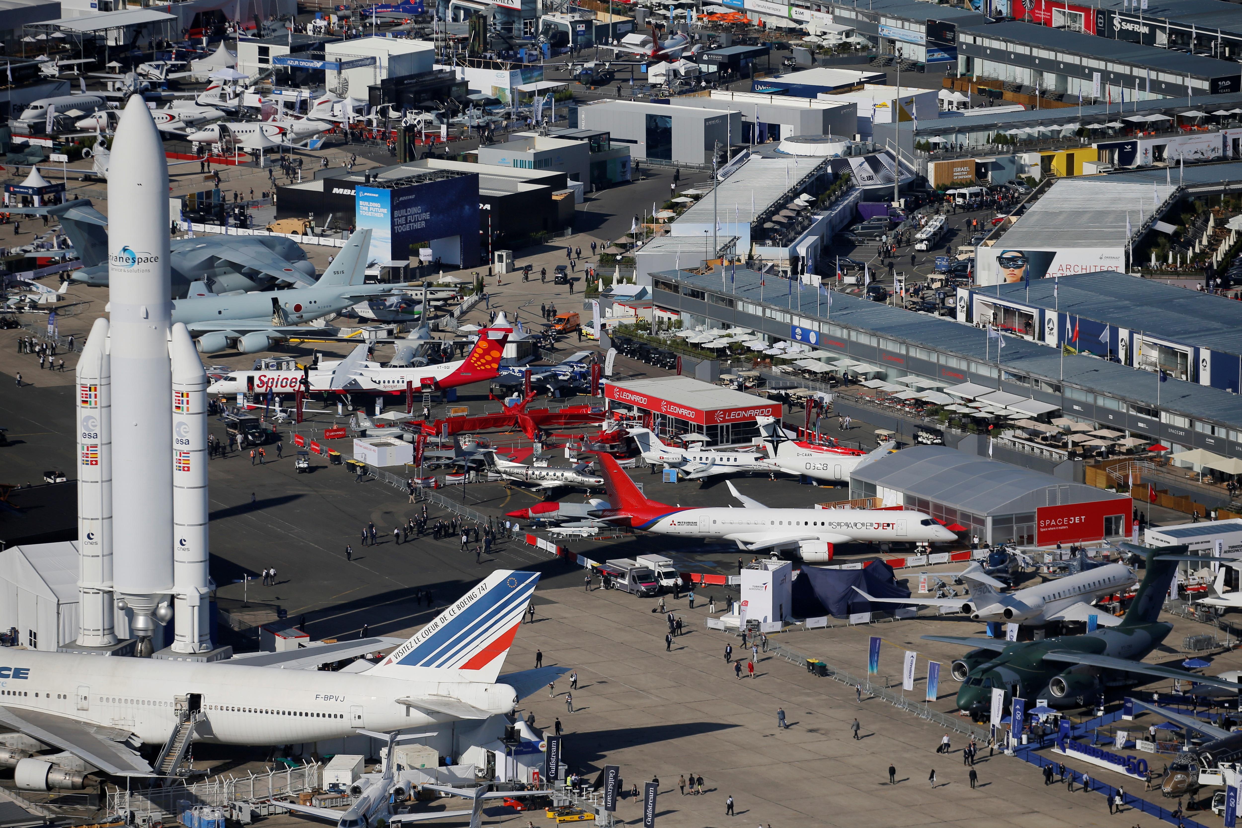 Đã mắt với với dàn máy bay khủng tại triển lãm hàng không lớn nhất thế giới - 2