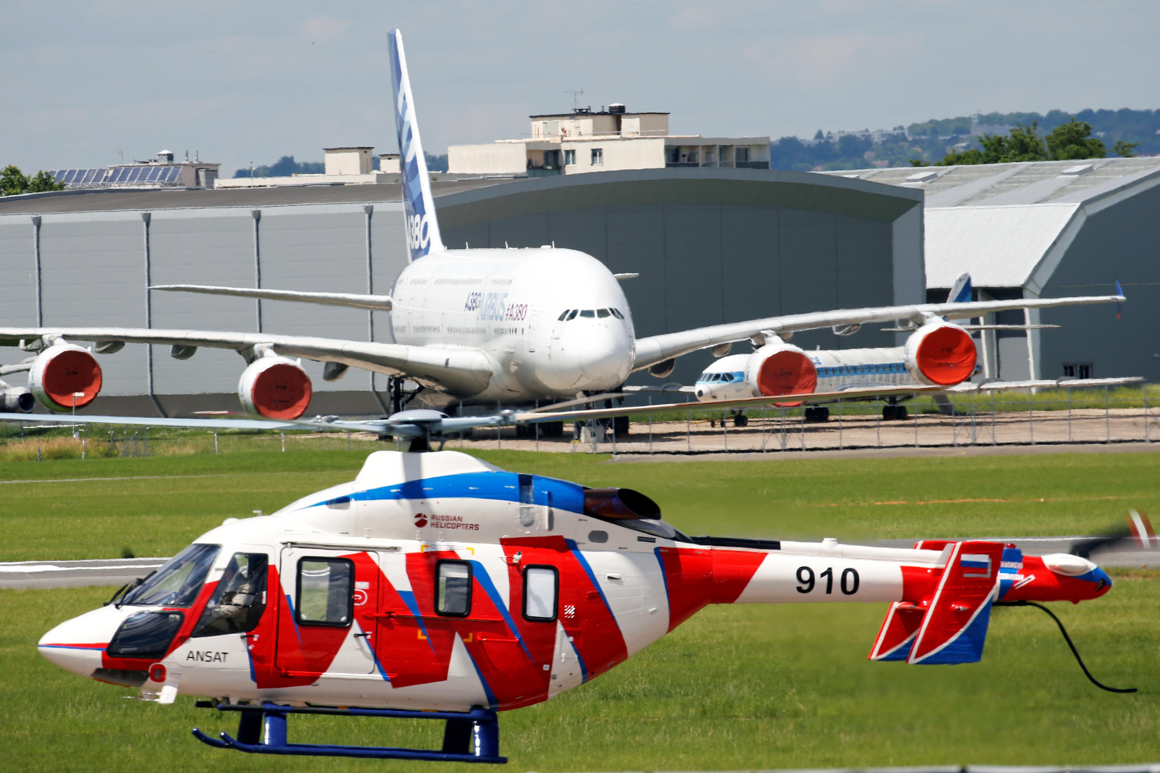 Đã mắt với với dàn máy bay khủng tại triển lãm hàng không lớn nhất thế giới - 13