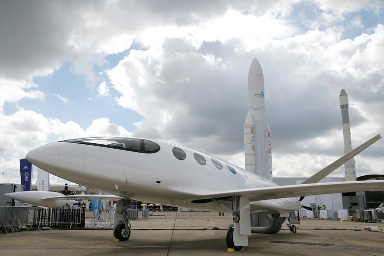 Đã mắt với với dàn máy bay khủng tại triển lãm hàng không lớn nhất thế giới - 17