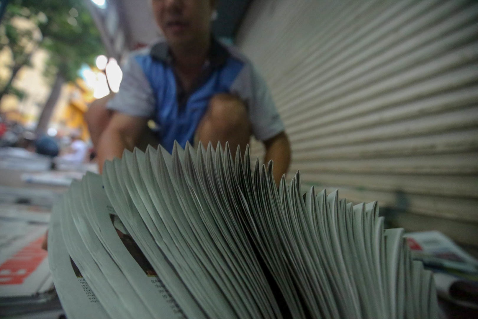 Những người phát hành báo giấy còn sót lại giữa thời đại 4.0 - 9