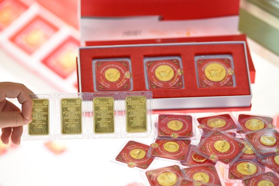 Tăng nhanh chóng mặt, giá vàng vọt lên 40,35 triệu đồng/lượng