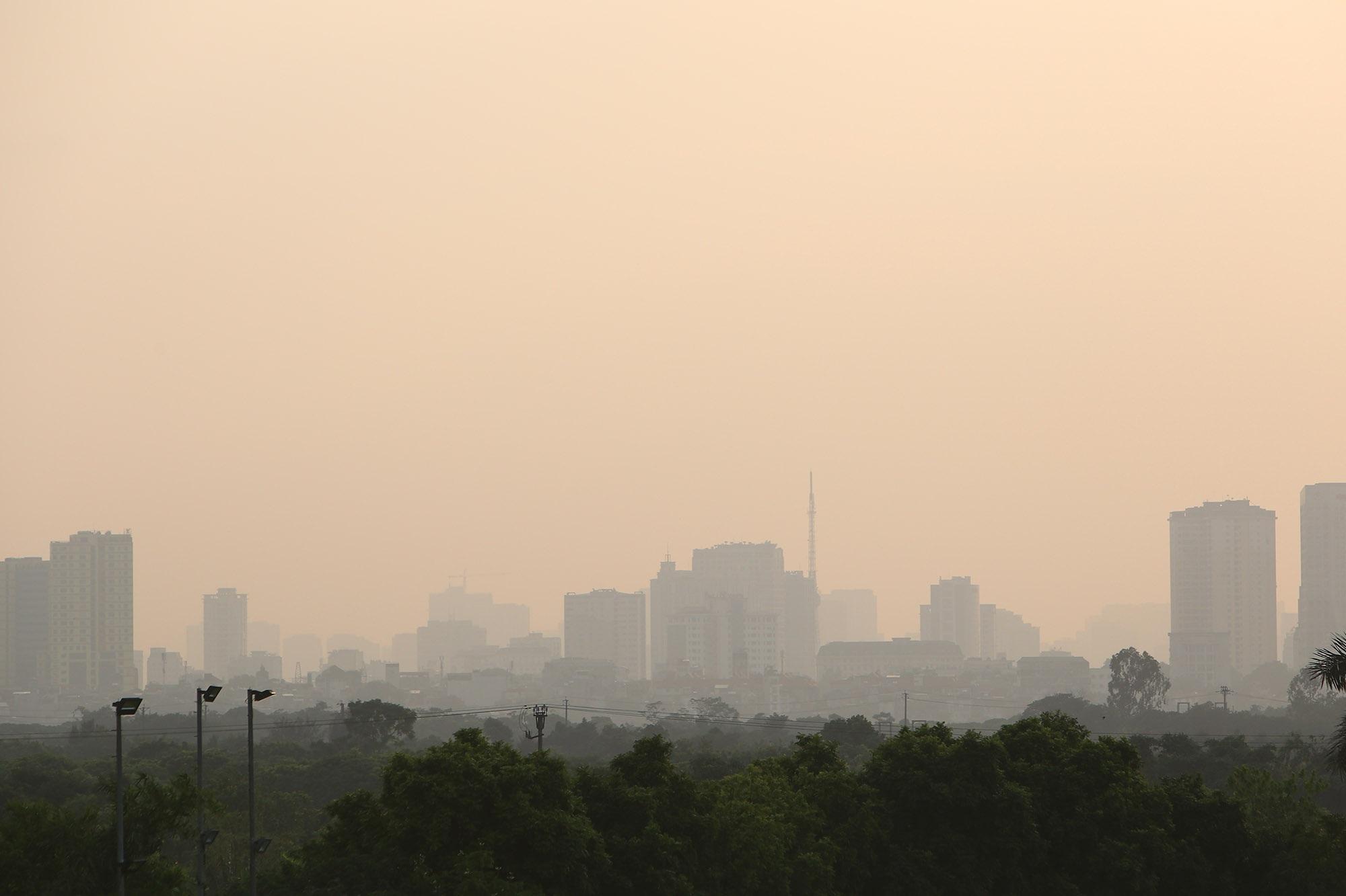 Ảnh Hà Nội trong báo động đỏ về ô nhiễm không khí - 2