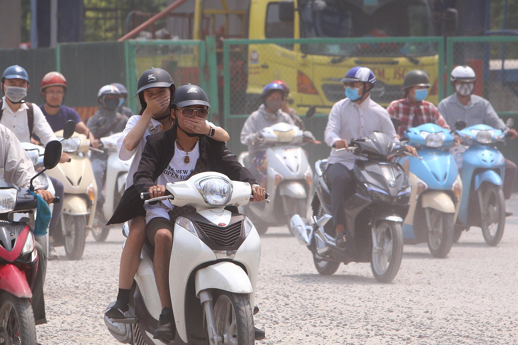 Ảnh Hà Nội trong báo động đỏ về ô nhiễm không khí - 5