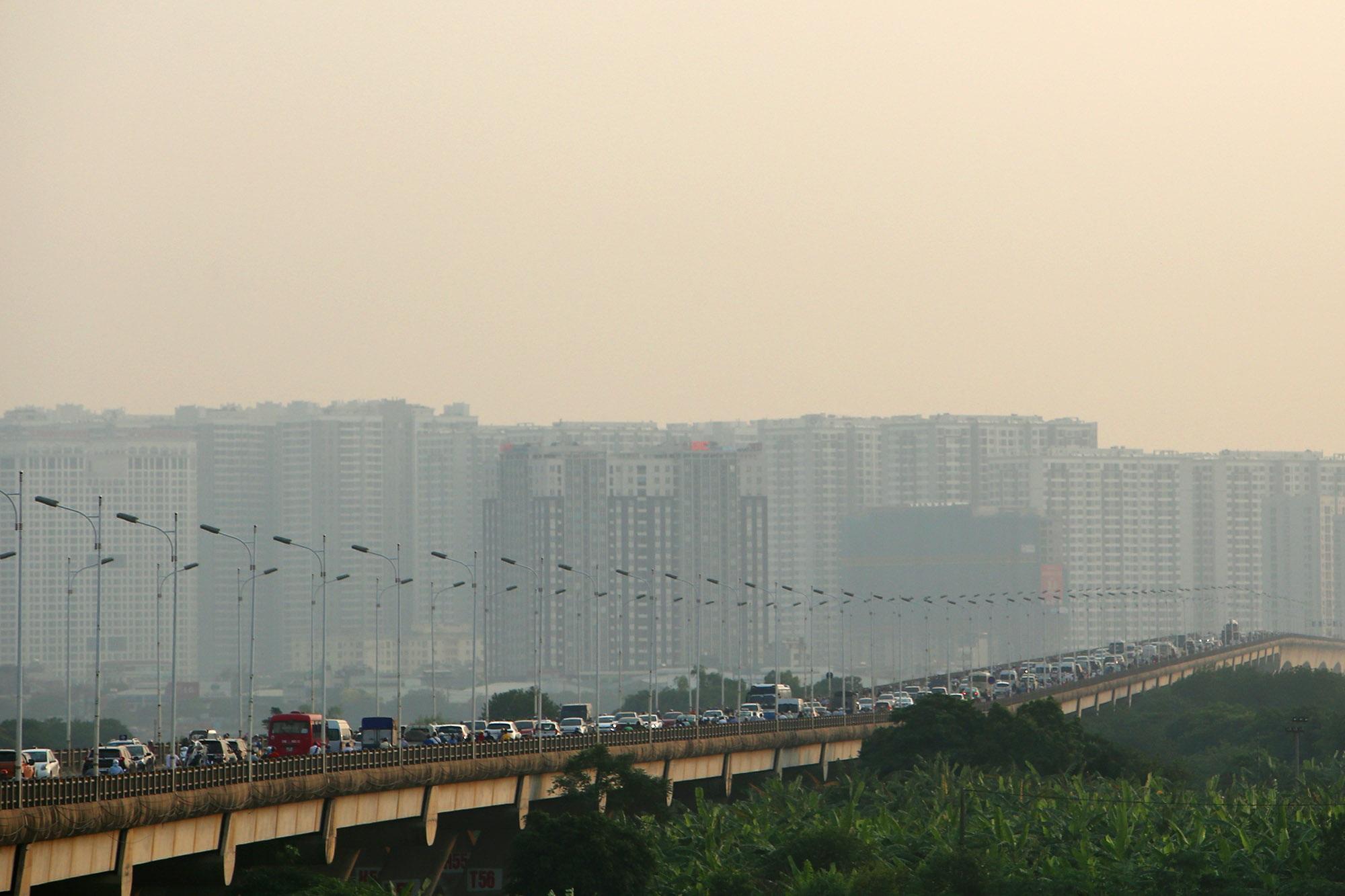 Ảnh Hà Nội trong báo động đỏ về ô nhiễm không khí - 8