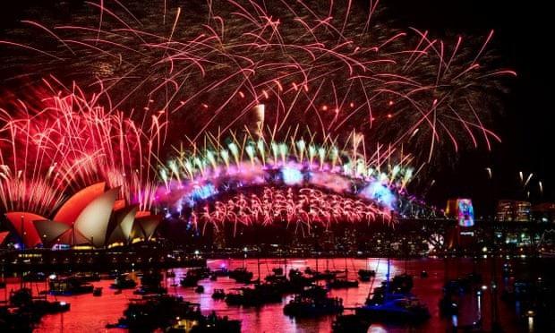 Pháo hoa thắp sáng bầu trời ở Australia. (Ảnh: Getty)