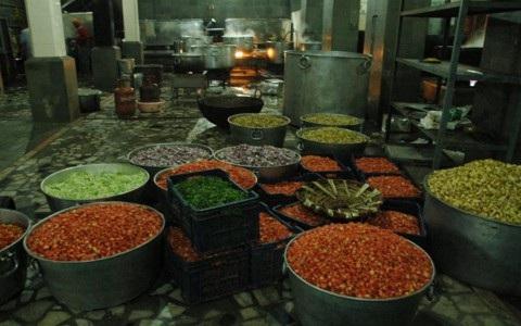 Nhà bếp miễn phí lớn nhất thế giới phục vụ hơn 100.000 người/ngày  - Ảnh 7.