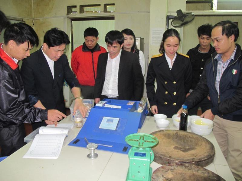 Hà Tĩnh: Xử phạt gần 1.300 cơ sở kinh doanh vi phạm ATVSTP - Ảnh 1.