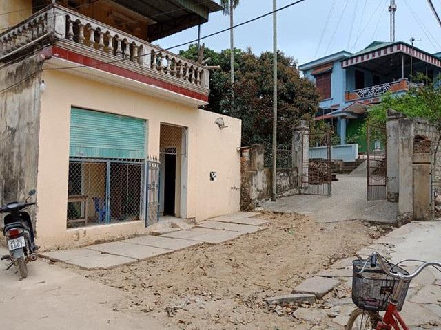 Vụ bất ngờ bị hàng xóm bịt lối đi: VKSND tỉnh Thanh Hóa và TAND cấp cao có quan điểm trái chiều - Ảnh 3.