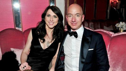 Cuộc hôn nhân đổ vỡ của CEO Jeff Bezos ảnh hưởng thế nào tới Amazon? - Ảnh 1.