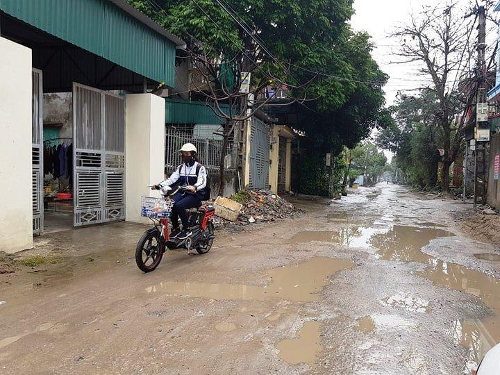 """Ninh Bình: Người dân khốn khổ vì con đường """"nát bét"""" giữa lòng thành phố! - Ảnh 12."""
