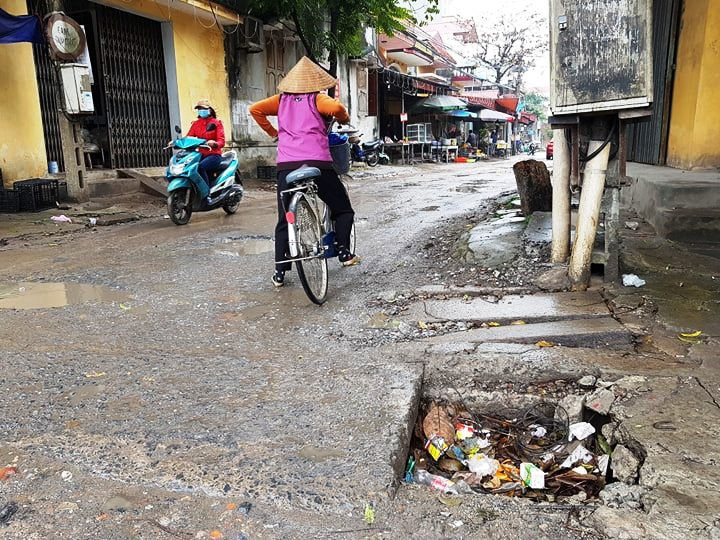 """Ninh Bình: Người dân khốn khổ vì con đường """"nát bét"""" giữa lòng thành phố! - Ảnh 17."""