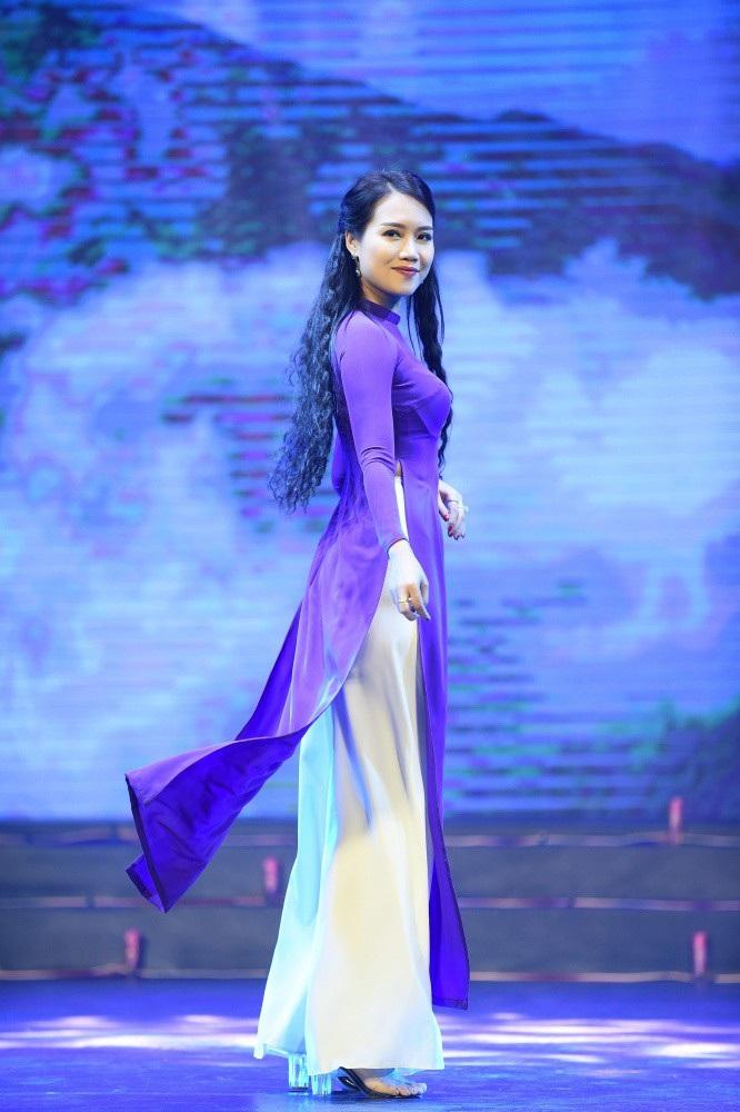 Hoa hậu Ngọc Hân nói gì về bạn gái tin đồn của cầu thủ Phan Văn Đức? - Ảnh 15.
