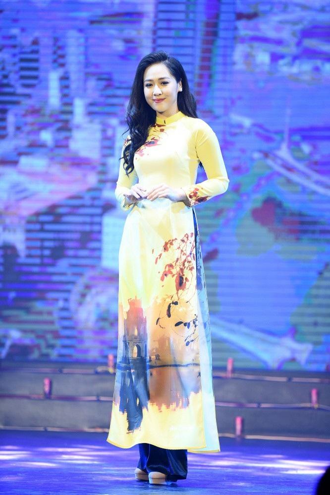 Hoa hậu Ngọc Hân nói gì về bạn gái tin đồn của cầu thủ Phan Văn Đức? - Ảnh 12.