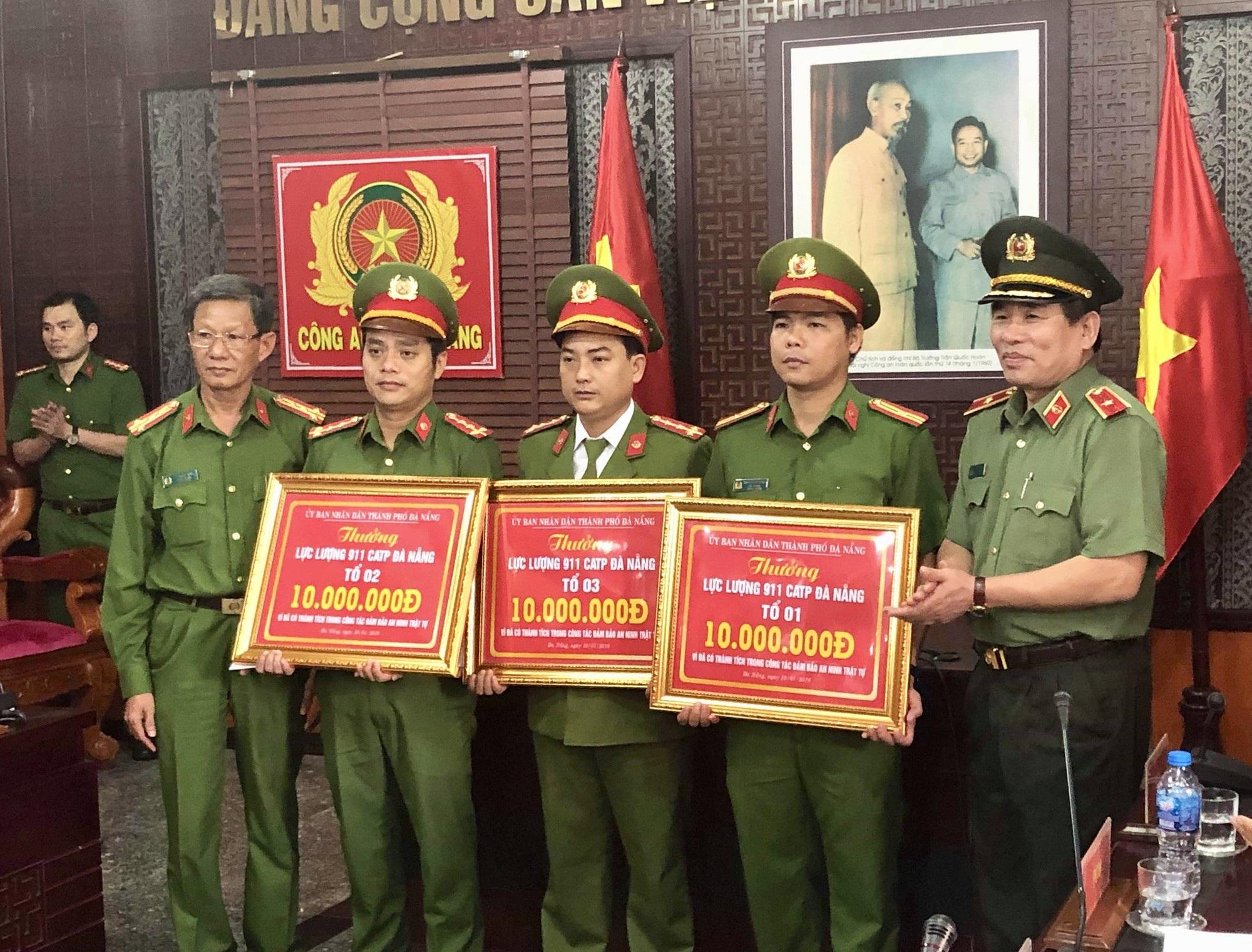 Lực lượng 911 - Công an Đà Nẵng phát hiện nhiều đối tượng cho vay nặng lãi, tàng trữ cỏ Mỹ, vũ khí - Ảnh 1.
