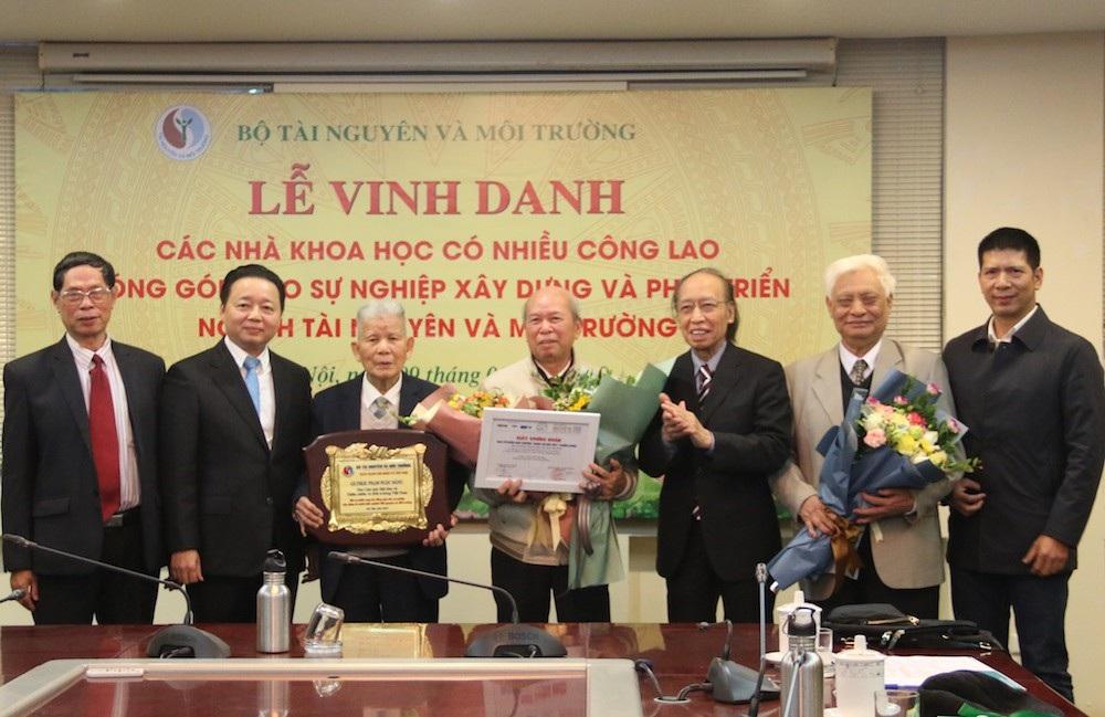 Nhân tài Đất Việt 2018: Trao giải Nhất 200 triệu đồng cho nhóm tác giả trong lĩnh vực Môi trường - Ảnh 2.