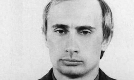 Khi quá khứ của ông Putin được hé lộ nhiều hơn - Ảnh 1.