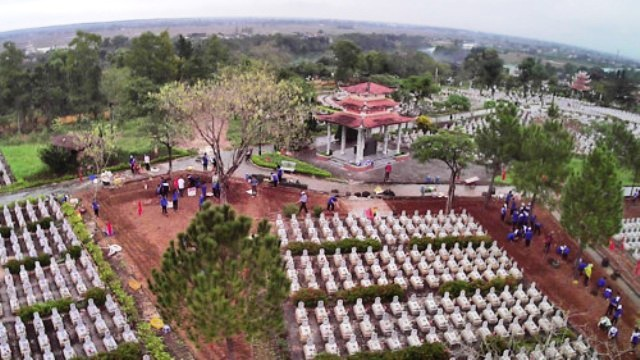 Học sinh ươm cây xanh trồng ở nghĩa trang, di tích lịch sử - Ảnh 5.