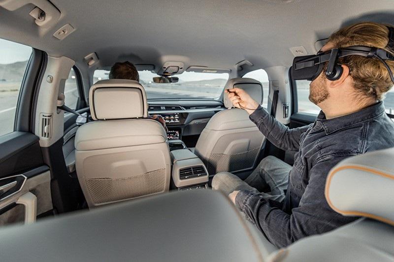 Công nghệ VR của Audi đồng bộ thực tế ảo với chuyển động của xe - Ảnh 5.