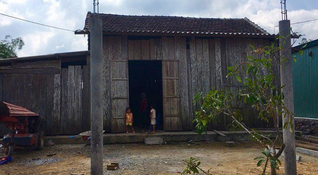 Một ngân hàng hỗ trợ xây nhà và lập sổ tiết kiệm giúp gia đình chị Liễu - Ảnh 1.