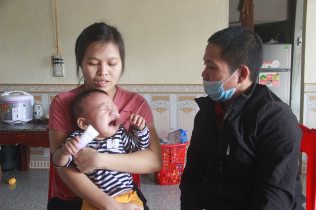 Tiếng khóc xé lòng của bé trai 15 tháng tuổi đã sớm mắc bệnh u gan - Ảnh 10.
