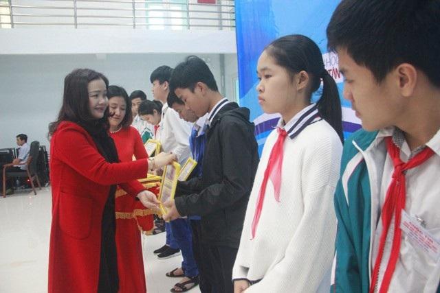 Trao giải thưởng 63 đề tài khoa học-kỹ thuật tiêu biểu khối học sinh THPT - Ảnh 4.
