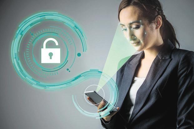 Tính năng mở khóa bằng gương mặt trên hàng chục smartphone dễ dàng bị đánh lừa bởi hình ảnh - Ảnh 1.