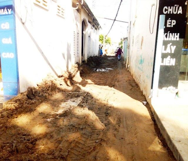 Dân ngán ngẩm vì nhiều tuyến đường tiền tỷ mới làm xong đã bị đào bới tại Sóc Trăng! - Ảnh 5.
