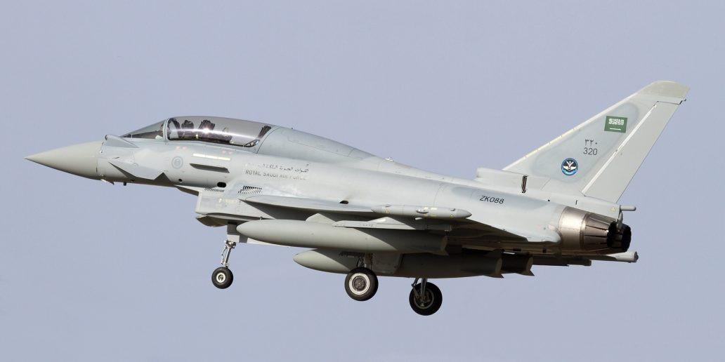 Khoảnh khắc máy bay Anh dội hỏa lực san bằng hang ổ IS tại Syria - Ảnh 2.