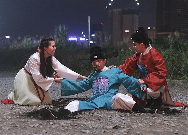Thị trường phim tết 2019: Phim hài soán ngôi, phim ma biến dạng - Ảnh 1.