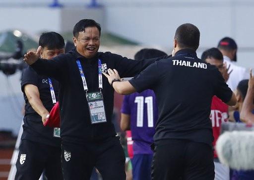 Những khoảnh khắc chiến thắng ngọt ngào của Thái Lan trước Bahrain - Ảnh 18.