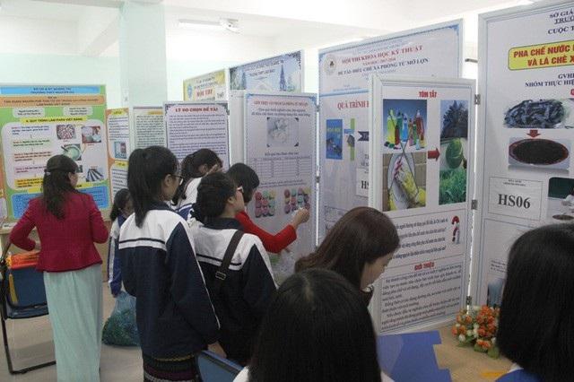 Trao giải thưởng 63 đề tài khoa học-kỹ thuật tiêu biểu khối học sinh THPT - Ảnh 3.