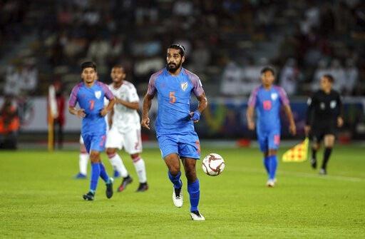 Nhìn lại trận thua đáng tiếc của Ấn Độ trước UAE - Ảnh 2.