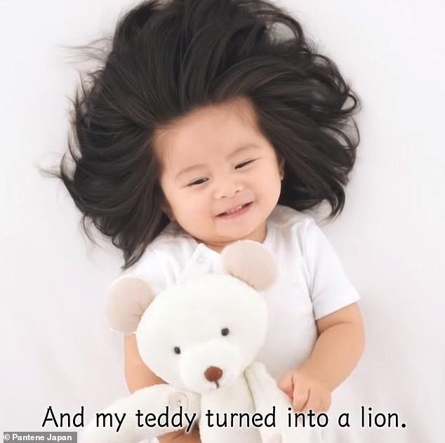 Em bé một tuổi có mái tóc bồng bềnh trở thành... gương mặt quảng cáo gây sốt - Ảnh 4.