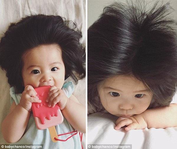 Em bé một tuổi có mái tóc bồng bềnh trở thành... gương mặt quảng cáo gây sốt - Ảnh 11.