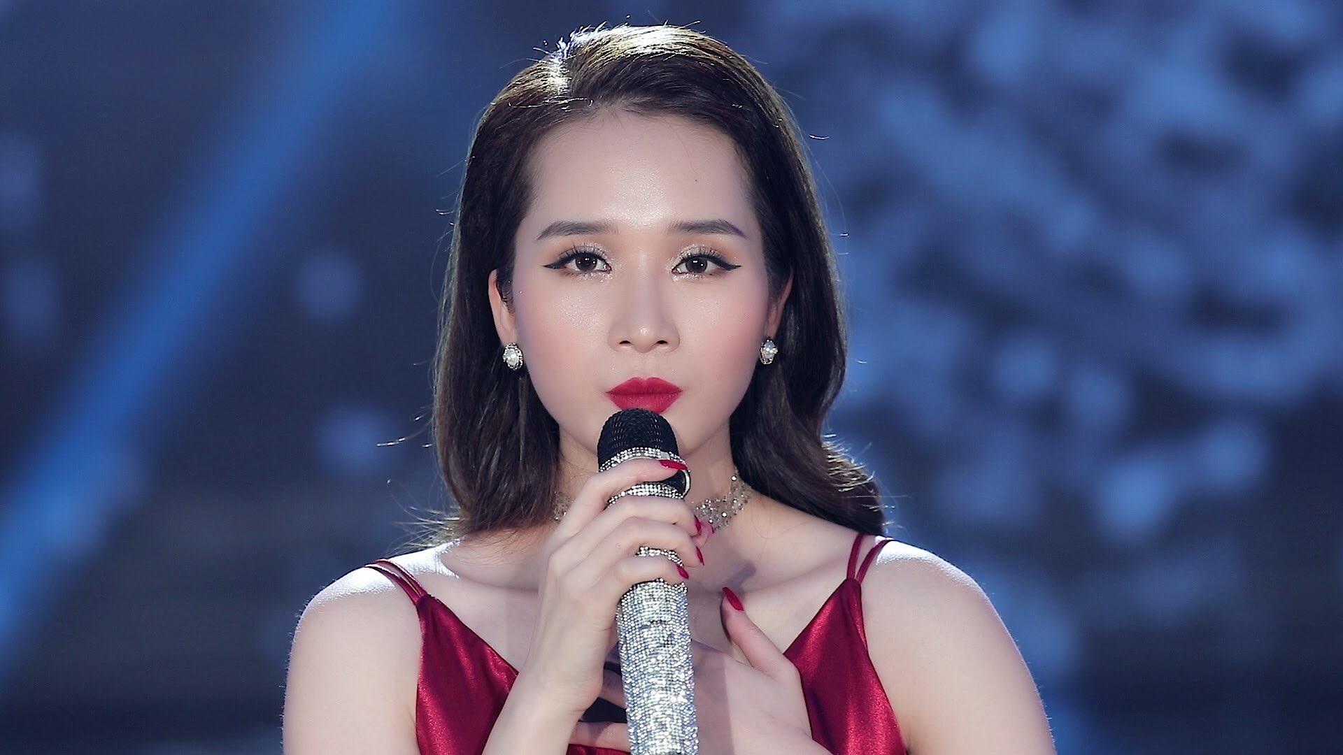 """""""Hoa hậu giải Sao Mai 2017"""" tình tứ với nhạc ballad - Ảnh 2."""