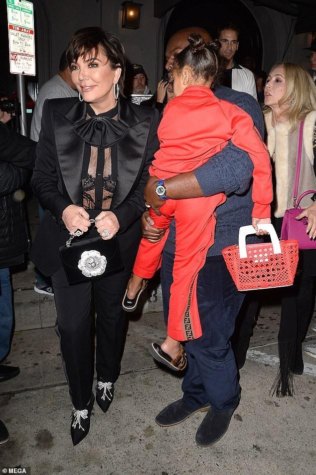 Con gái Kim Kardashian diện toàn đồ hiệu  - Ảnh 7.
