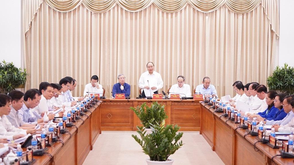 Thủ tướng: Chúng ta cùng xắn tay áo với TPHCM để tiến bước mạnh mẽ! - Ảnh 1.