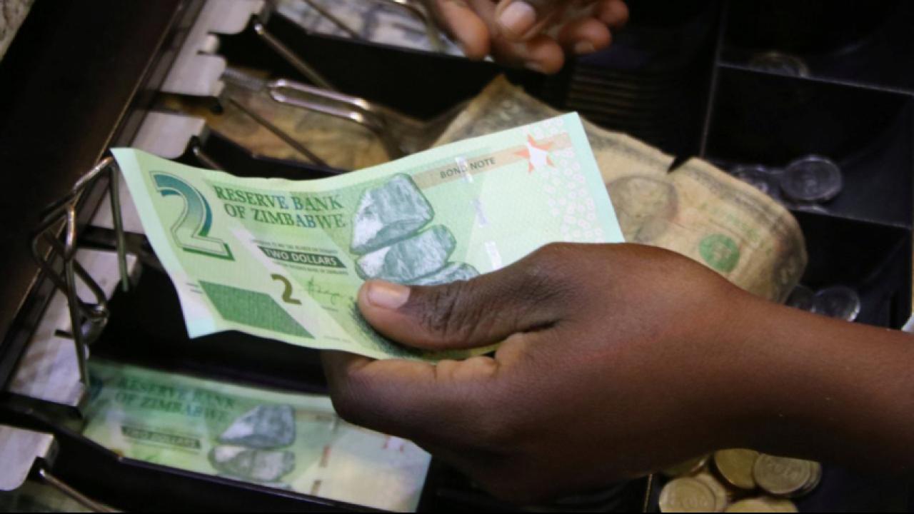 Zimbabwe sắp tung loại tiền tệ mới để cứu nền tài chính - Ảnh 1.