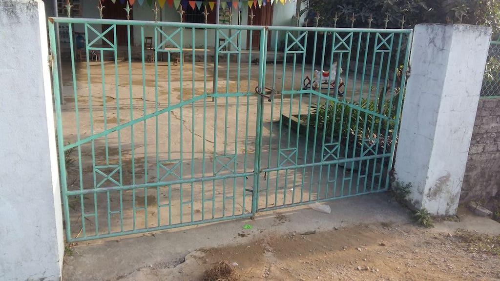 Bất ngờ chạy ra cổng trường mầm non, bé 4 tuổi bị xe ben cán tử vong - Ảnh 3.