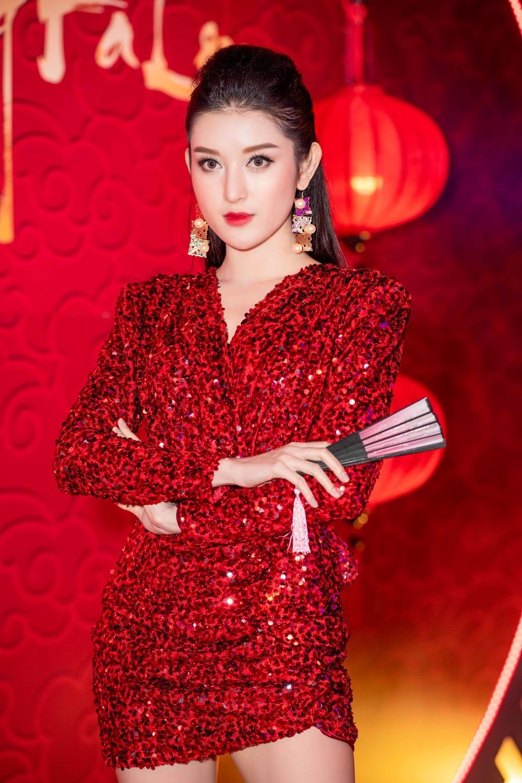 """Á hậu Huyền My gợi cảm """"đọ dáng"""" cùng Hoa hậu Mỹ Linh - Ảnh 3."""