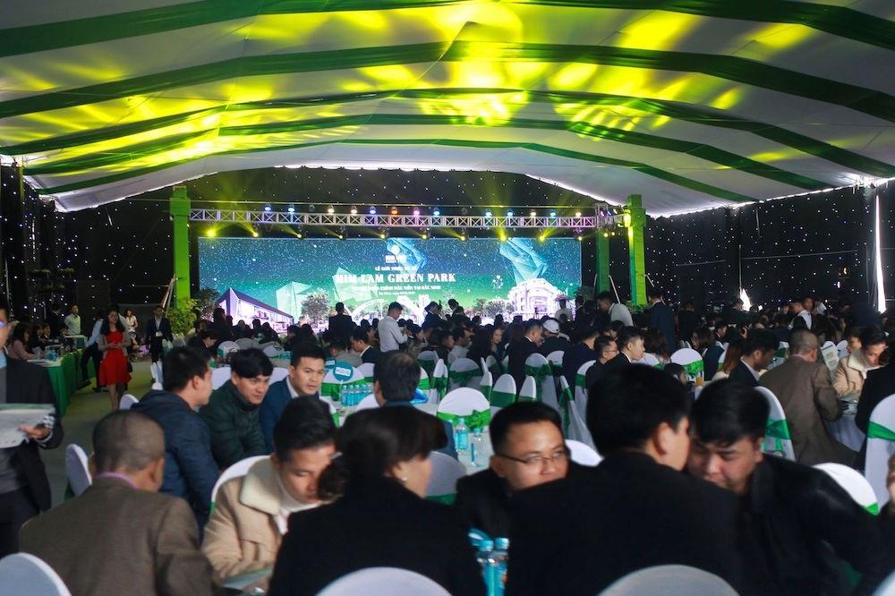 Him Lam Green Park gây ấn tượng ngay trong ngày đầu ra mắt dự án - Ảnh 1.